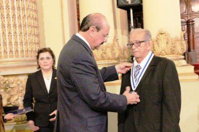 Afiliado Eduardo Bolaños recibe homenaje en el Parlacén