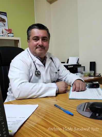 El Dr. Guillermo Ortega recibe a pacientes del IPSP en jornada sabatina