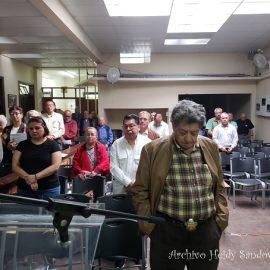 Minuto de silencio en memoria de Víctor Hugo de León Mollinedo